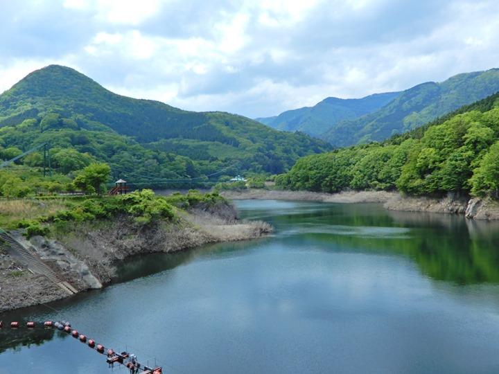もみじ谷大吊橋を渡った対岸にある塩原ダムでは、今週と来週の週末の4日間に限り、特別見学ツアーを開催しています。