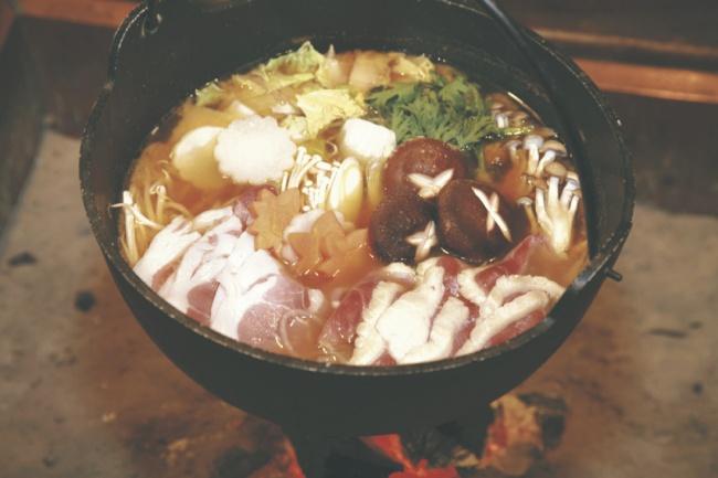温かい「巻狩鍋」をご賞味ください